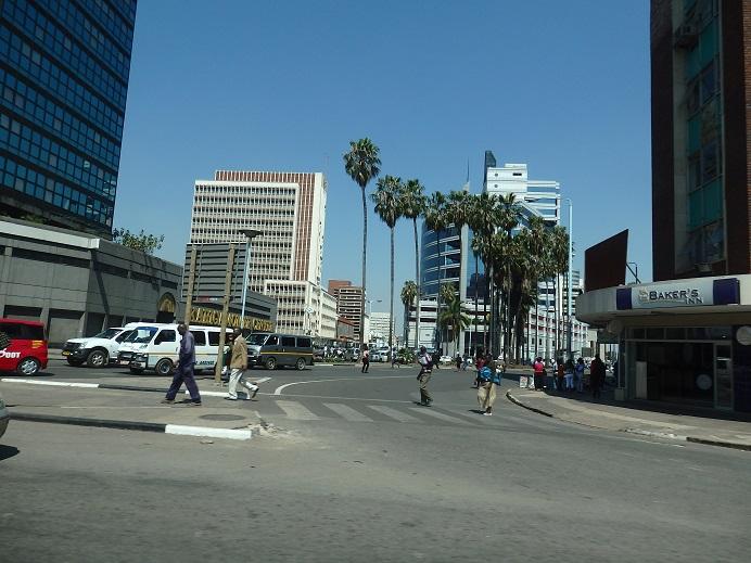 ジンバブエの首都ハラレの様子 2...